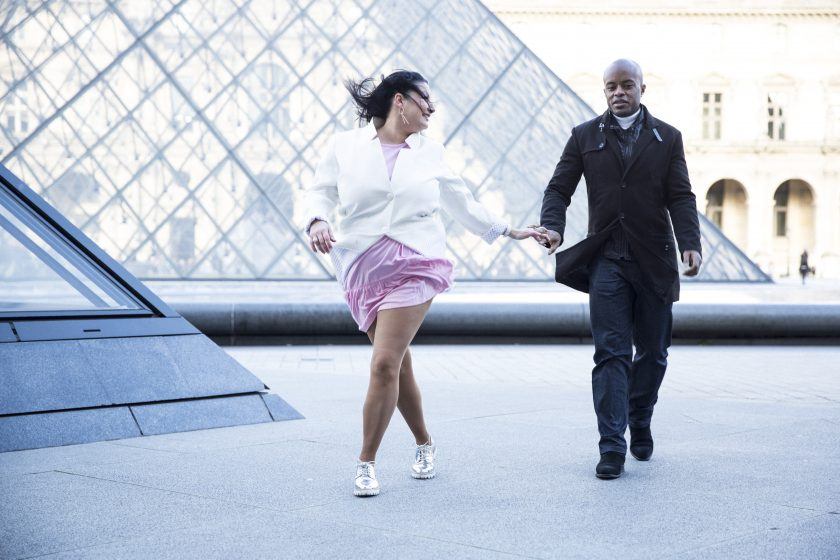 Blog lifestyle melolimparfaite shooting en couple dance with me melo et el Banjo Pyramide du Louvre